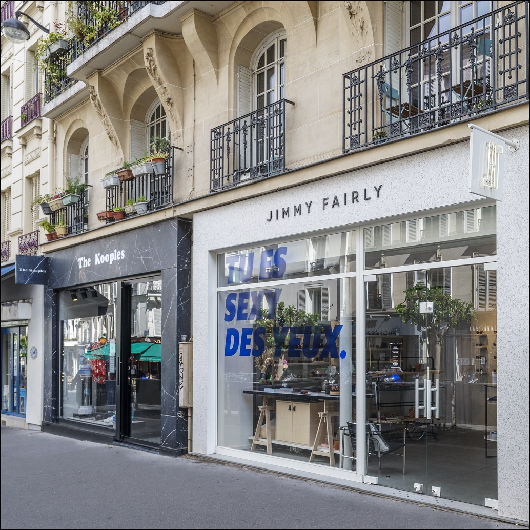ACQUISITION OF BUSINESSES IN RUE DES ABBESSES PARIS 18TH